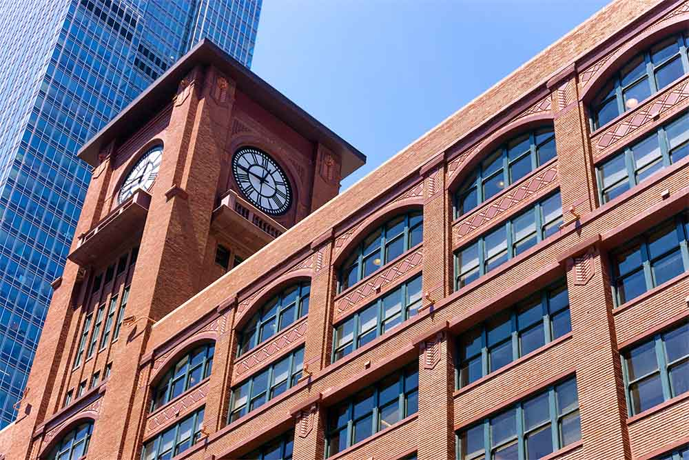 Red brick building in downtown Chicago