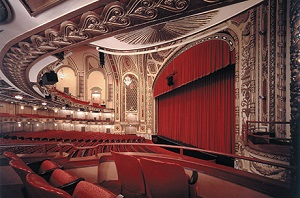 Where To Dine Near The Cadillac Palace Theater Chicago On