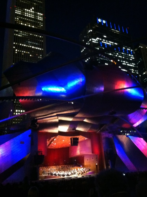 Booze rules at Millennium Park - Chicago on the Cheap