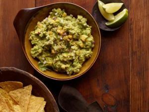 GuacamoleSpicywithMango-FoodNetwork