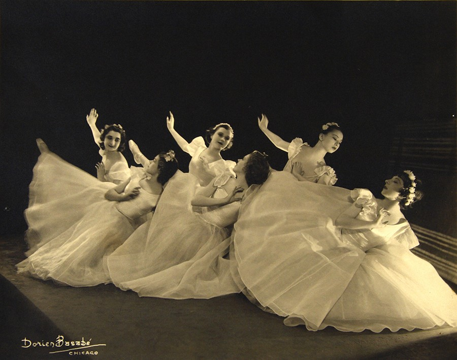 Berenice Holmes's student troupe circa 1930.  Sono Osato is on the right in the back row; Ann Barzel is on the right in the front row.