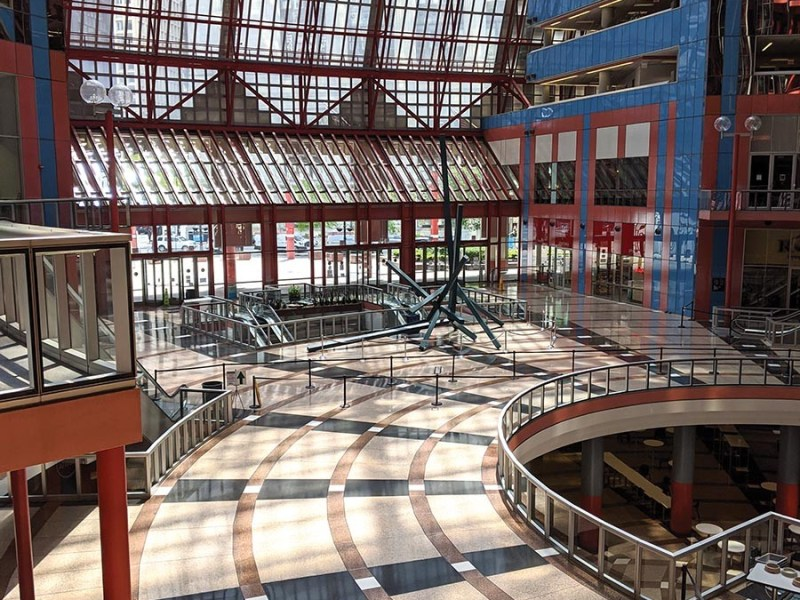 The empty atrium of Helmut Jahn's James R. Thompson Center