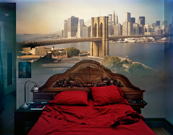 View of the Brooklyn Bridge in Bedroom
