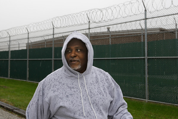 Alstory Simon leaving the Jacksonville Correction Center as a free man on October 30, 2014, in Jacksonville, Illinois