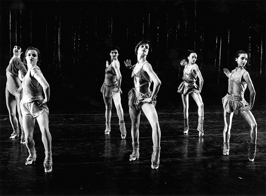 Bataille (center) dancing wth Hubbard Street Dance Chicago in Twyla Tharp's <i>The Golden Section.</i>