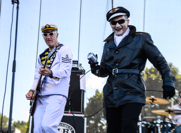 Captain Sensible and Dave Vanian of the Damned. The fanfic about this set is going to be <i>filthy.</i>