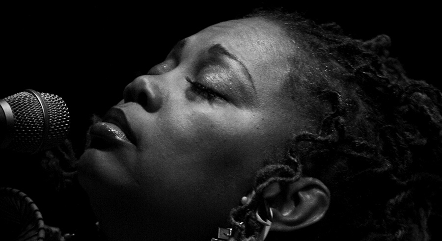 """<a href=""""/chicago/jazz-festival-2018-schedule/Content?oid=56171233"""">Dee Alexander and her quartet perform Nina Simone on Sunday at Fulton Street Collective.</a>"""