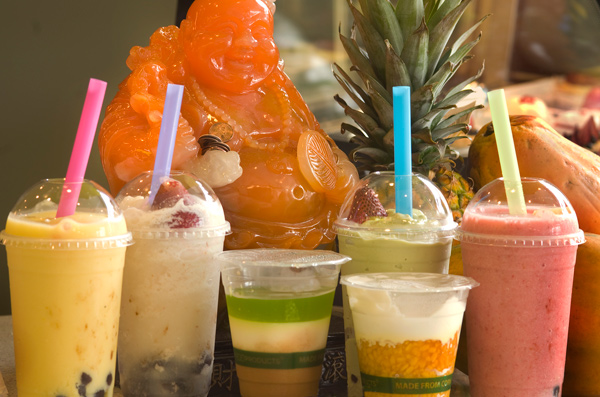 Fruit smoothies and che at Ba Le Sandwich Shop