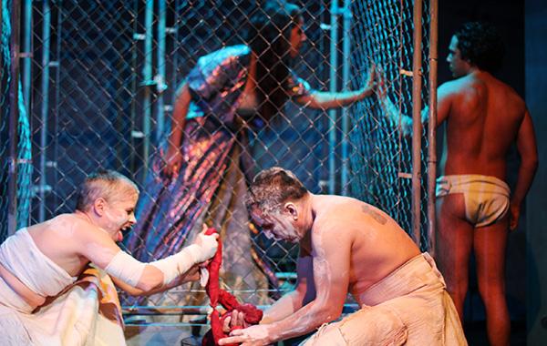 Aguijón Theater's <i>Epopeya</i>, Abel González Melo's reimagining of Euripides's <i>Hecuba</i>