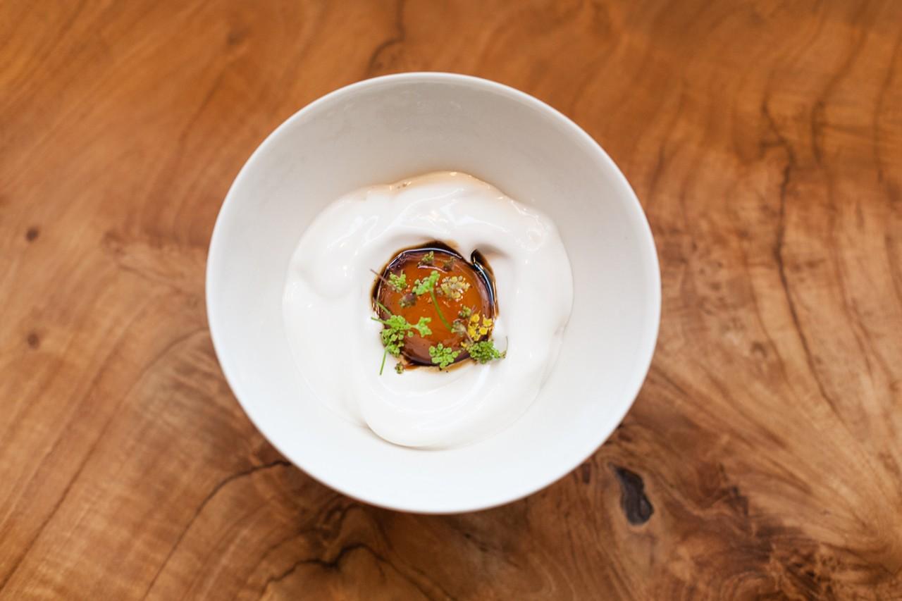 Egg yolk in salted licorice, Smyth