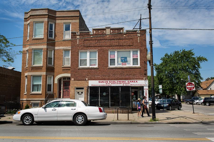 Garza's Tenth Ward office at 105th and Ewing