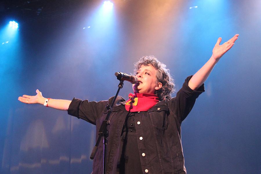 "Kelly Hogan sings the 1972 Mac Davis hit ""Baby Don't Get Hooked on Me."""