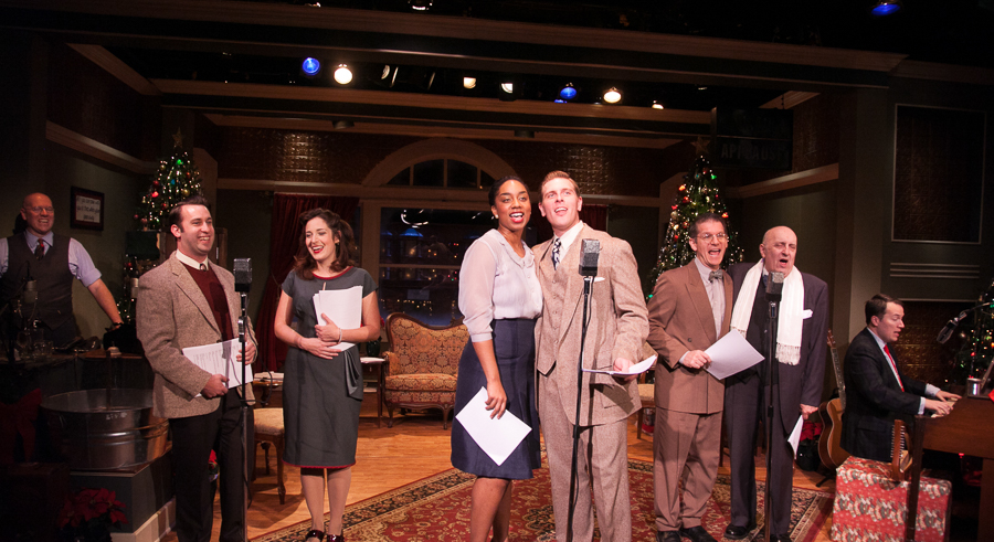 American Blues Theater's <i>It's a Wonderful Life: Live in Chicago</i>
