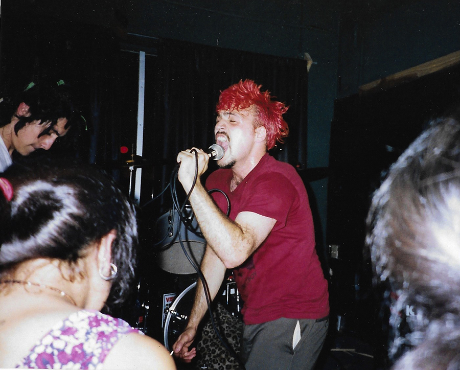 Martin Sorrondeguy fronts Los Crudos in the early 90s.