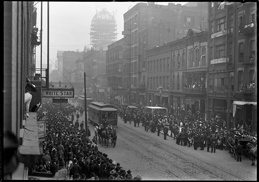 """Funeral procession for Sam Moy, """"King of Chinatown,"""" in May 1902"""