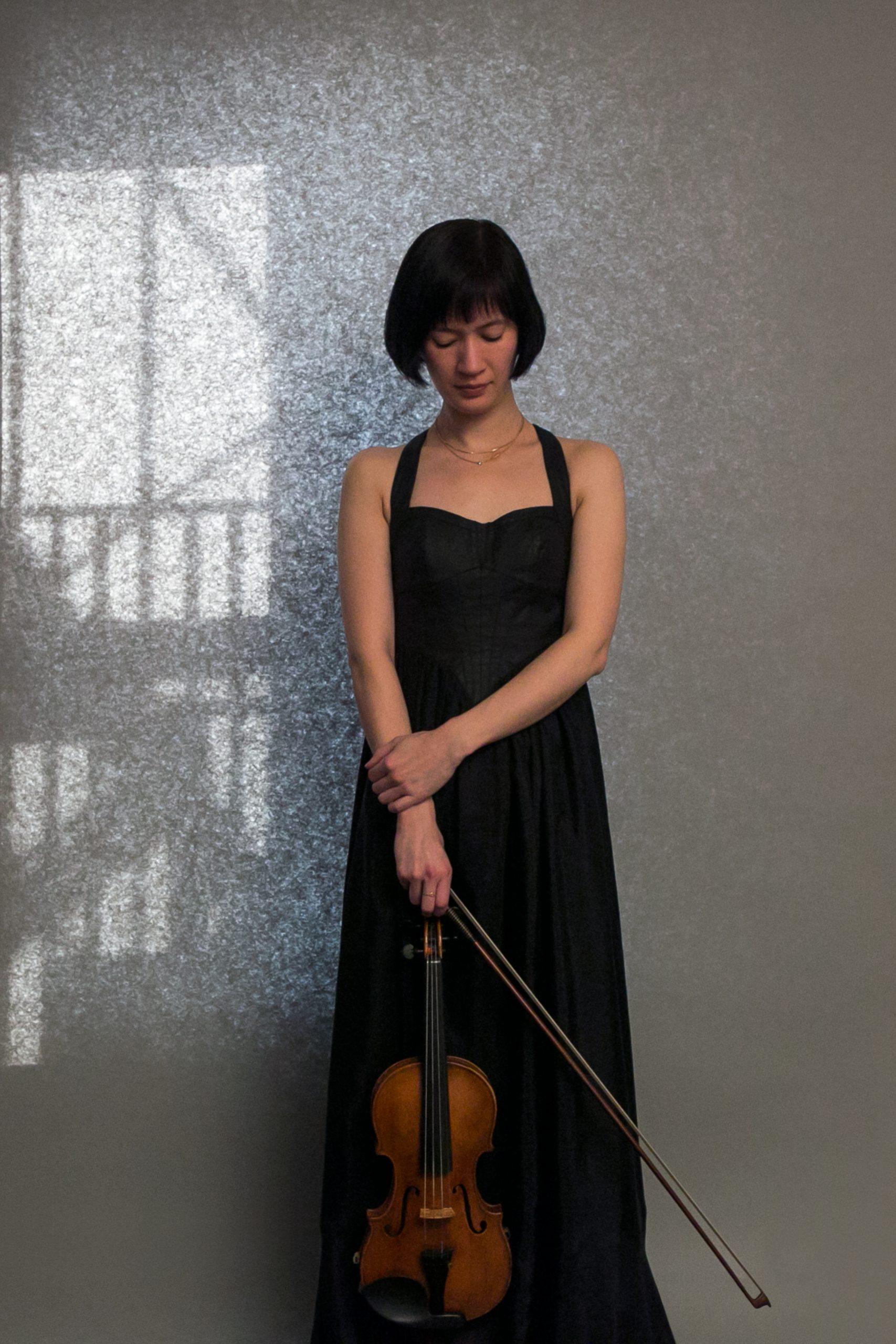 Miranda Cuckson performs solo at Fullerton Hall on Sunday.