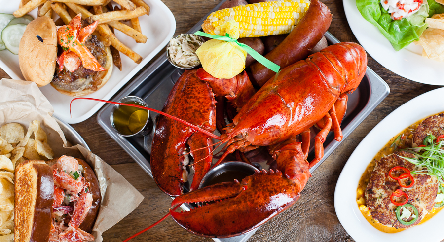 Put on a bib and chow down at the Rockin' Lobster Bash on Wed 8/31.