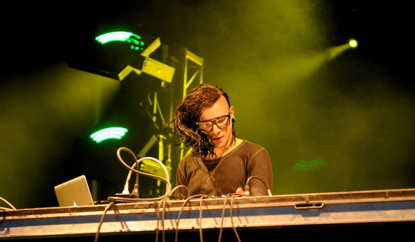 Gossip Wolf wouldn't be at all surprised to see famous EDM haircut Skrillex at Lollapalooza.