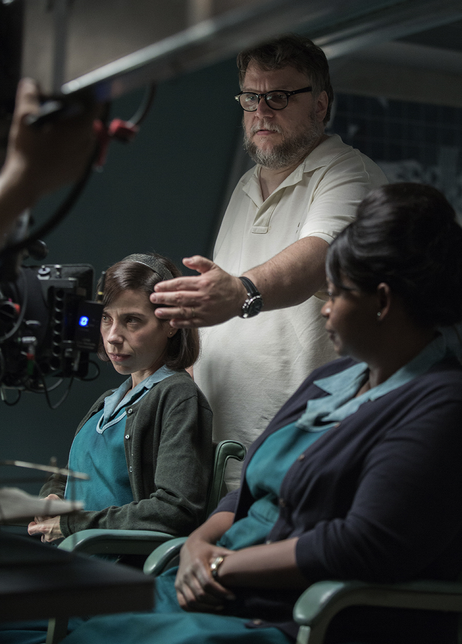 Del Toro on set with Sally Hawkins and Octavia Spencer