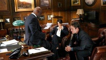 Delroy Lindo, Jennifer Beals and Jason Clarke in <em>The Chicago Code</em>.