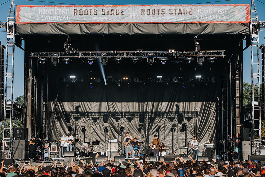 Twin Peaks are only in their mid-20s, but they do belong on the Roots Stage.