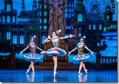 Cara Marie Gary, Jeraldine Mendoza and Nicole Ciapponi as Venetian Masked Dancers in The Nutcracker