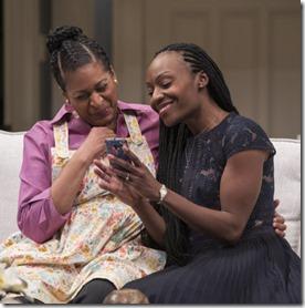 Ora Jones (Marvelous Chinyaramwira) and Lanise Antoine Shelley (Tendikayi) star in Familiar, Steppenwolf Theatre