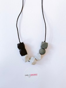 picture of a breastfeeding, nursing, teething necklace