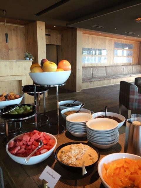 Hôtel Le Crans-Ambassador, petit déjeuner