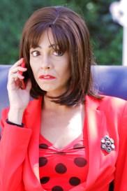 Carmen siempre pendiente del teléfono
