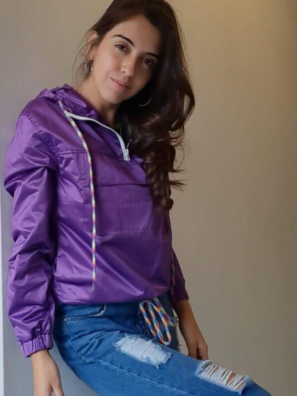 camperas violetas