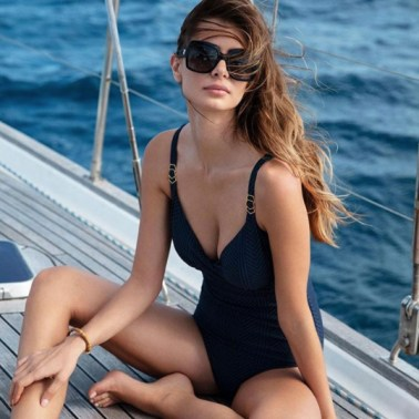 Swimwear shoot sailing yacht Curacao Fantasie Chicas Productions Curacao