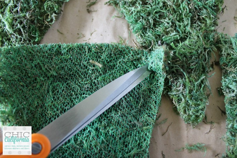 Making a Sheet Moss Banner for Spring