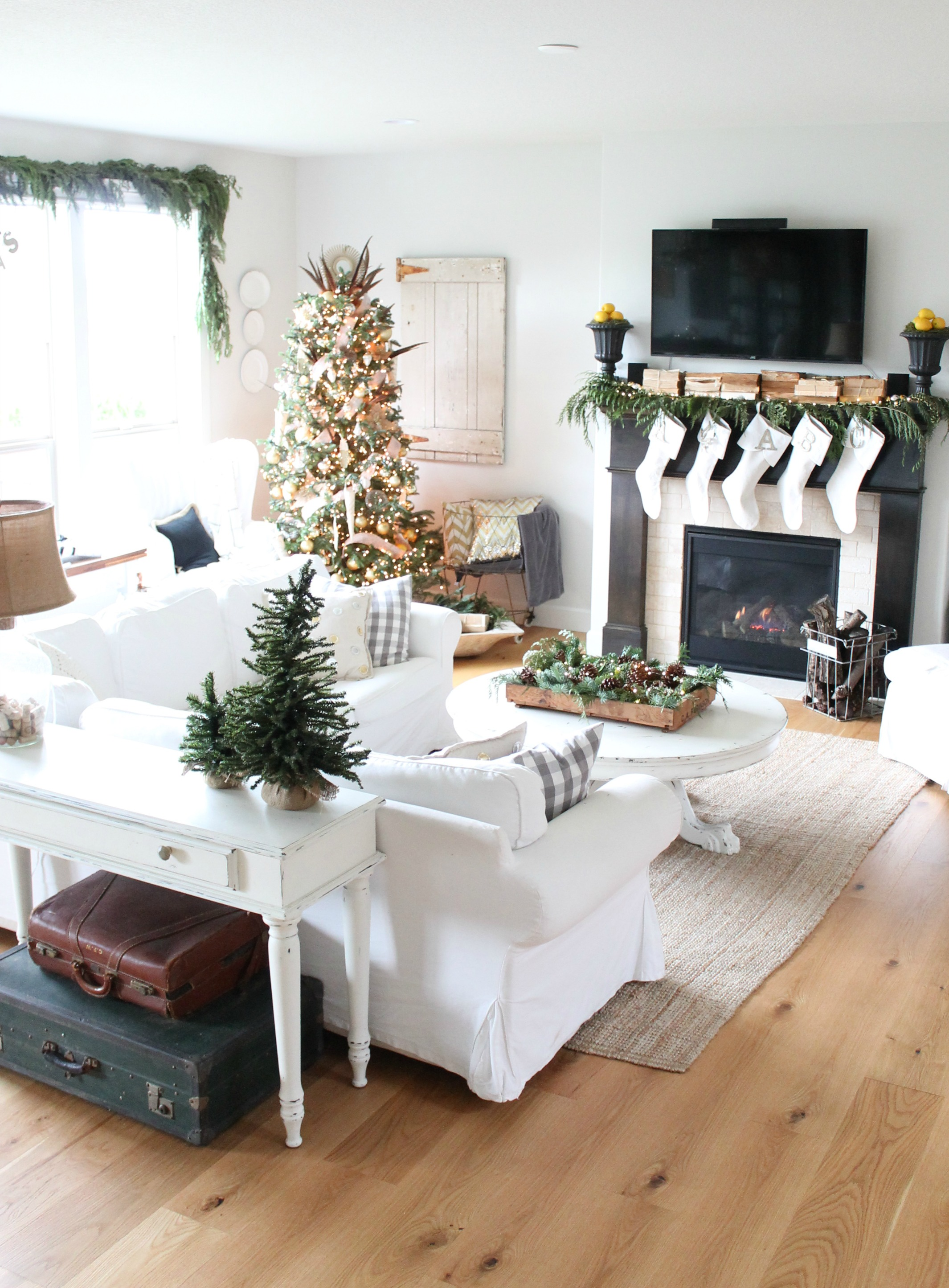 Modern Farmhouse Christmas Tour Living Room
