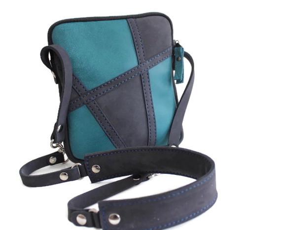Pochette cuir Artis bleu pacifique/noir mat