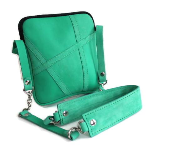 Pochette cuir Artis vert émeraude