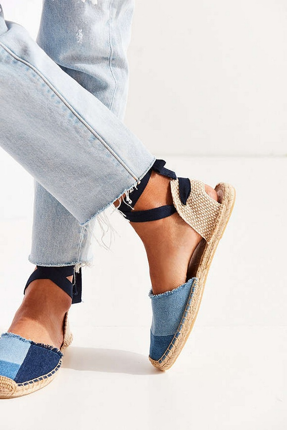 5 Current Shoe Trends to Wear Right Now
