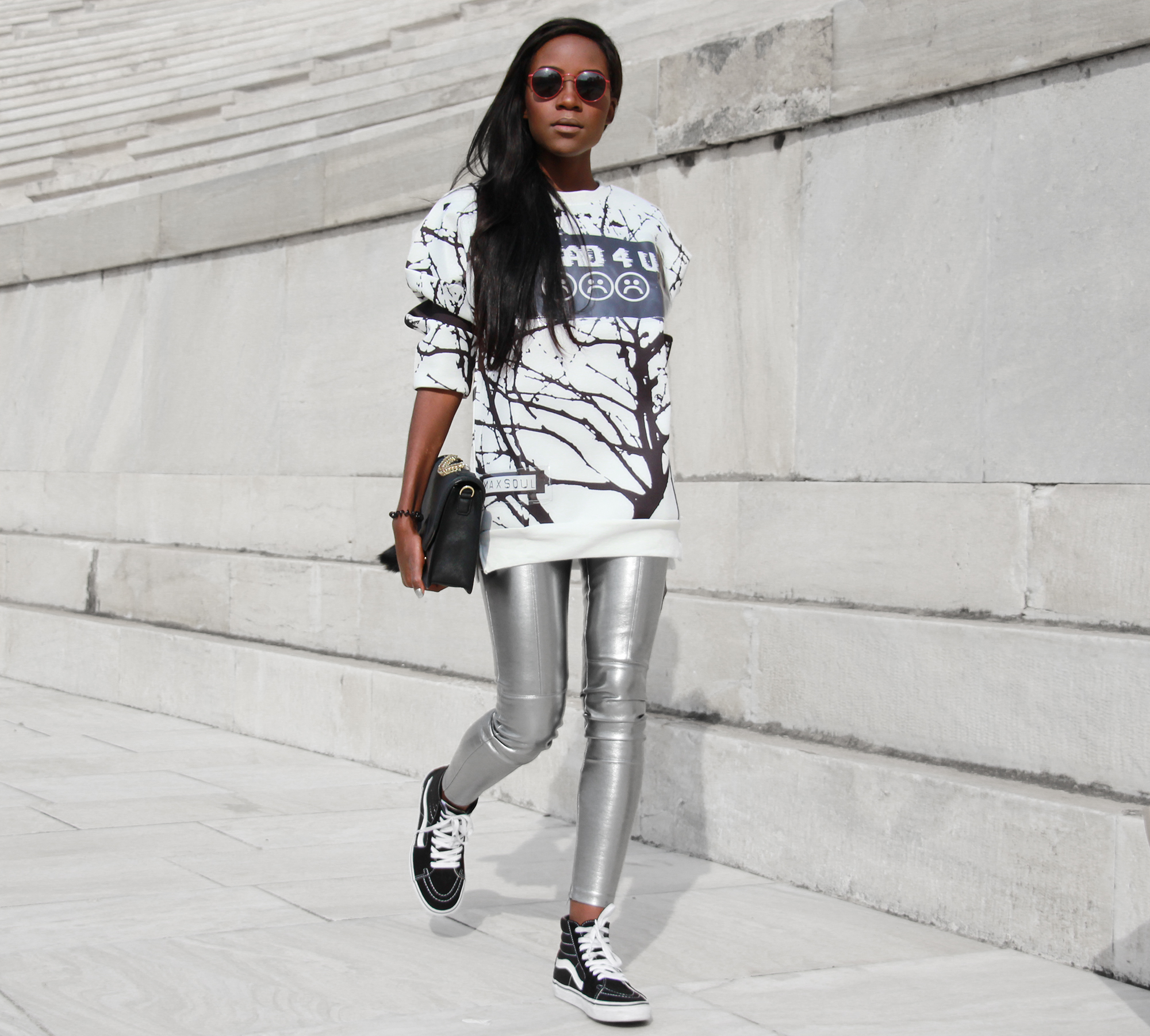 how-to-wear-metallic-trousers