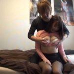 ナンパした職業ナースの巨乳お姉さんのおっぱいを触ったり手マンとかする前戯のシーン