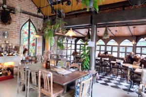 b-story-cafe-bangkok-drinks-interiors