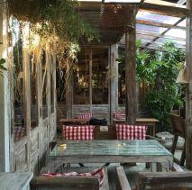 wood-cafe-bangkok-1