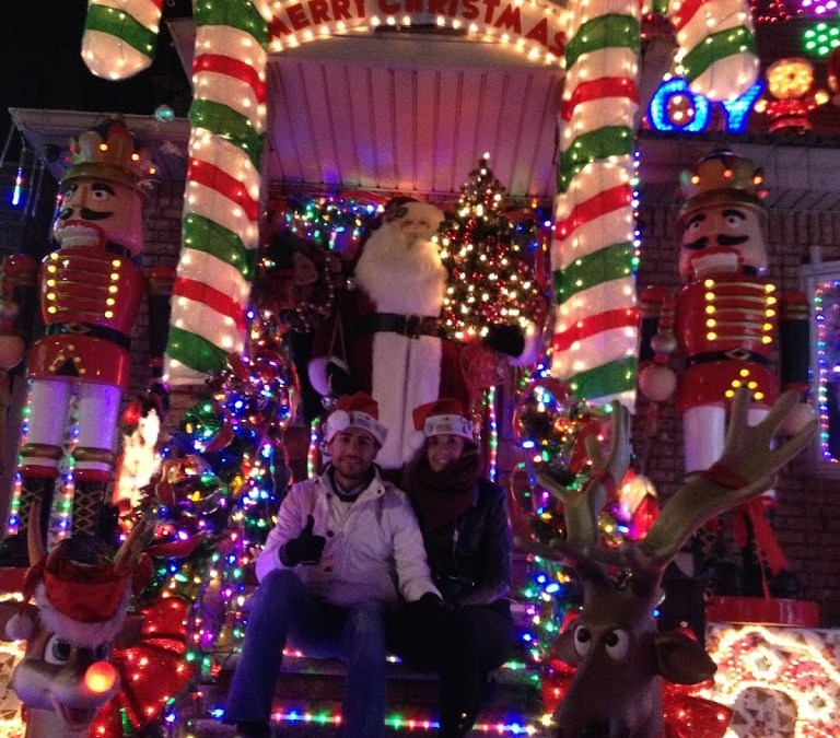 Dia 9: Bicicletas – Chelsea – Village – Soho – High Line – Casa Sexto en Nueva York – Edificio Friends – Cuartel de Cazafantasmas – Excursion de Luces de Nueva York + Luces de Navidad – Queens – Brooklyn Promedade – Dyker Heighs.