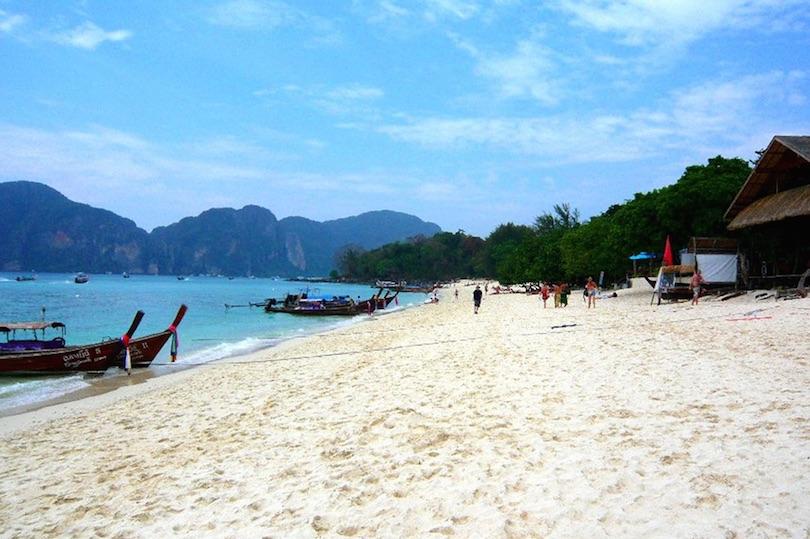 LONG BEACH - PHI PHI ISLAND PIOJOS ON TOUR