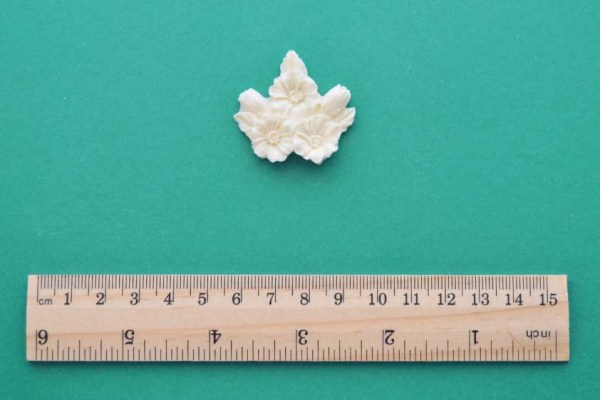3 Flower Cluster Moulding