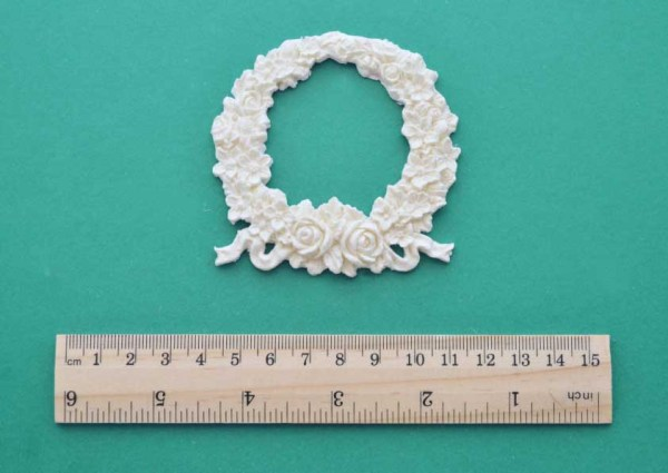 Small Rose Floral Wreath Moulding