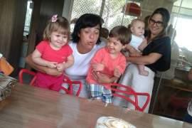 A Gi conta como é ser babá do Chicão e de suas irmãs