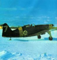 MS.406 finlandês se preparando para decolar de um campo nevado, Viitana, Karelia, na Rússia, o inverno 1941-1942