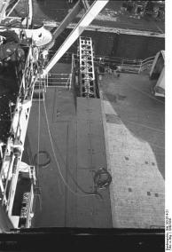 Catapulta de aeronaves Battleship Bismarck, 1940-1941