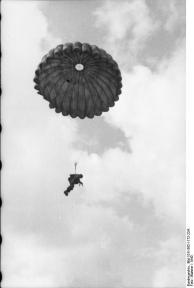 Italien, Fallschirmjäger bei Ausbildung