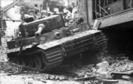 Villers-Bocage, zerstörter Panzer VI (Tiger I)